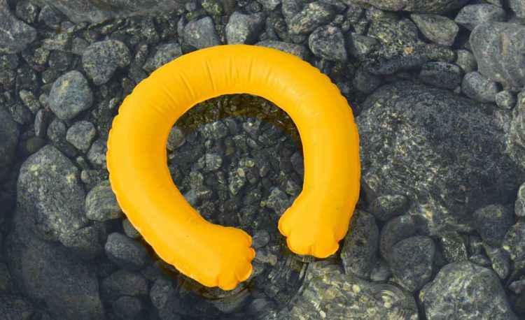 OneUp, la bouée de secours qui se gonfle toute seule