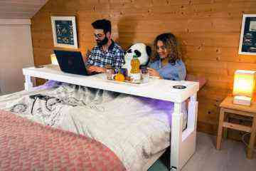 Bedchill : une impressionnante table de lit connectée à roulettes