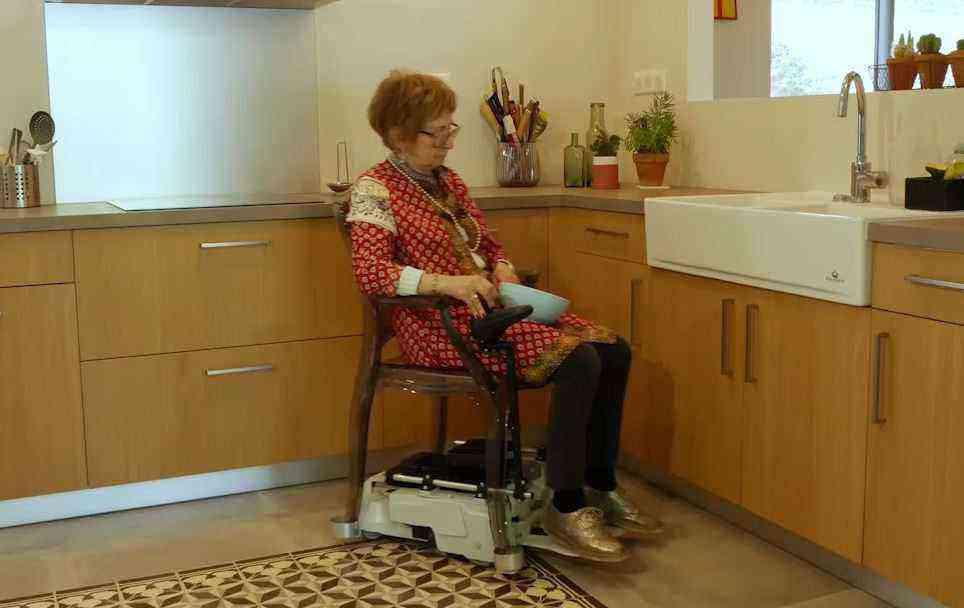 Mobili Kit transforme n'importe quelle chaise en fauteuil roulant électrique