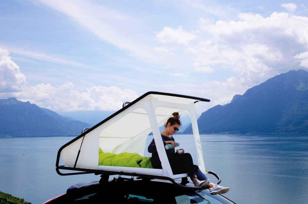 Nest, la tente de toit minimaliste compatible avec toutes les véhicules