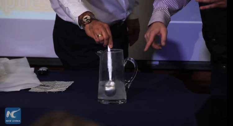 Solubag : Ce sac se désintègre complètement en moins de 5 minutes au contact de l'eau
