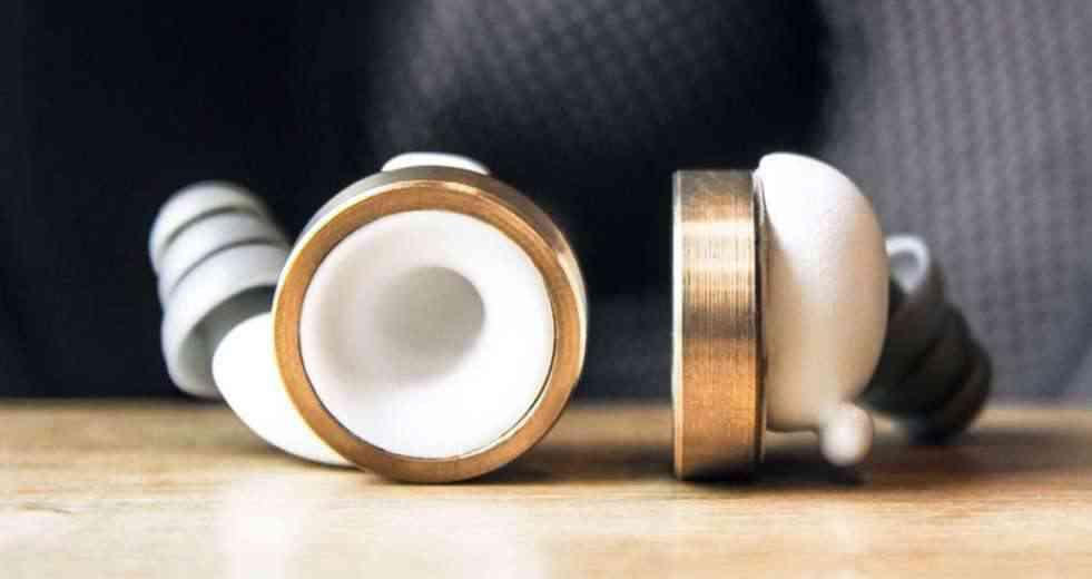 Knops, les bouchons d'oreilles pour régler le volume sonore de notre environnement