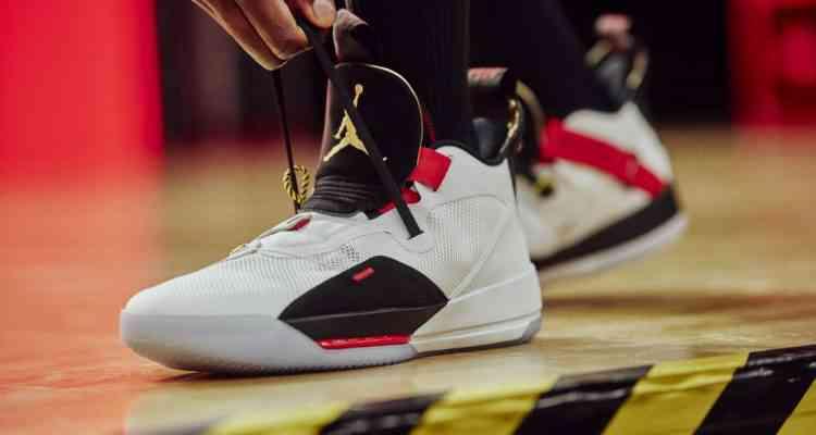 Air Jordan 33 : les baskets autolaçantes de Nike