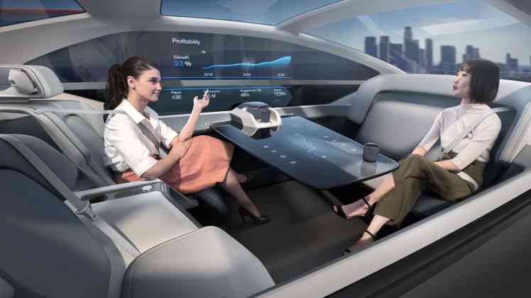 Volvo 360c, le concept car autonome équipé d'un lit, d'un bureau et d'un salon