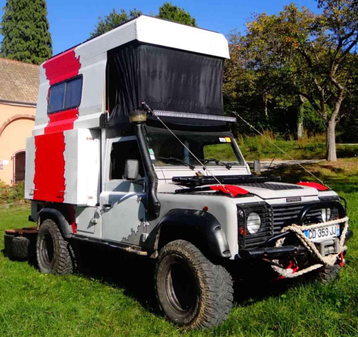 Wild Fennec, le Land Rover transformé en camping-car tout-terrain.