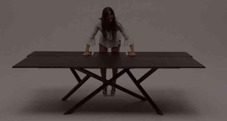 Les ingénieuses tables extensibles du designer Italien Ozzio