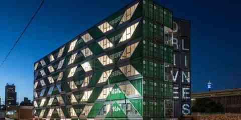 140 containers pour un immeuble de 6 étages