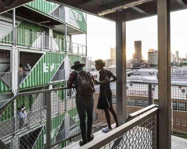 Immobilier: 140 containers pour un immeuble de 6 étages!