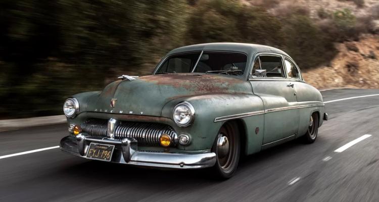 Une entreprise transforme un coupé Mercury de 1949 en voiture électrique
