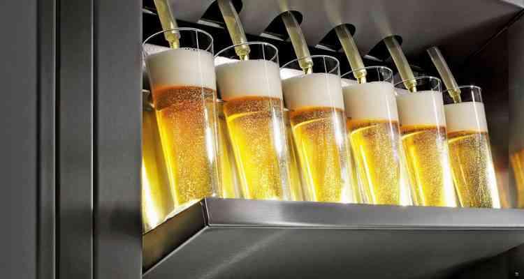 Beerjet, la machine qui sert les bières en série
