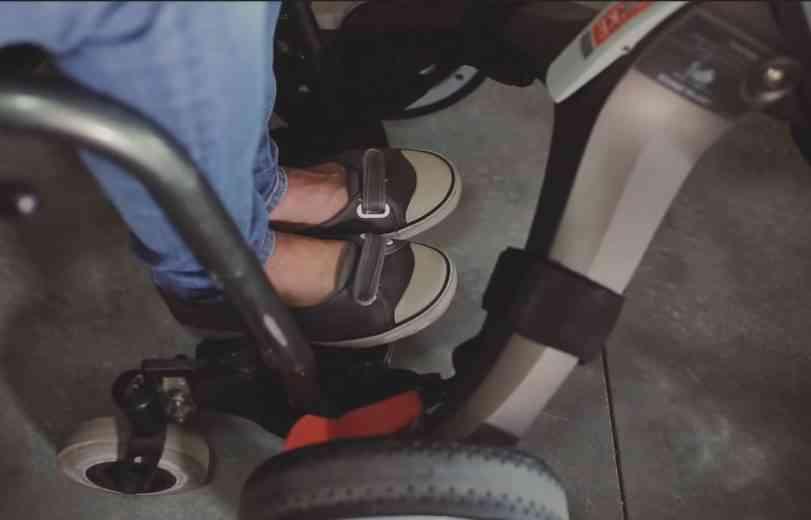 Freewill : EasyStroll, le connecteur de poussette pour fauteuil roulant