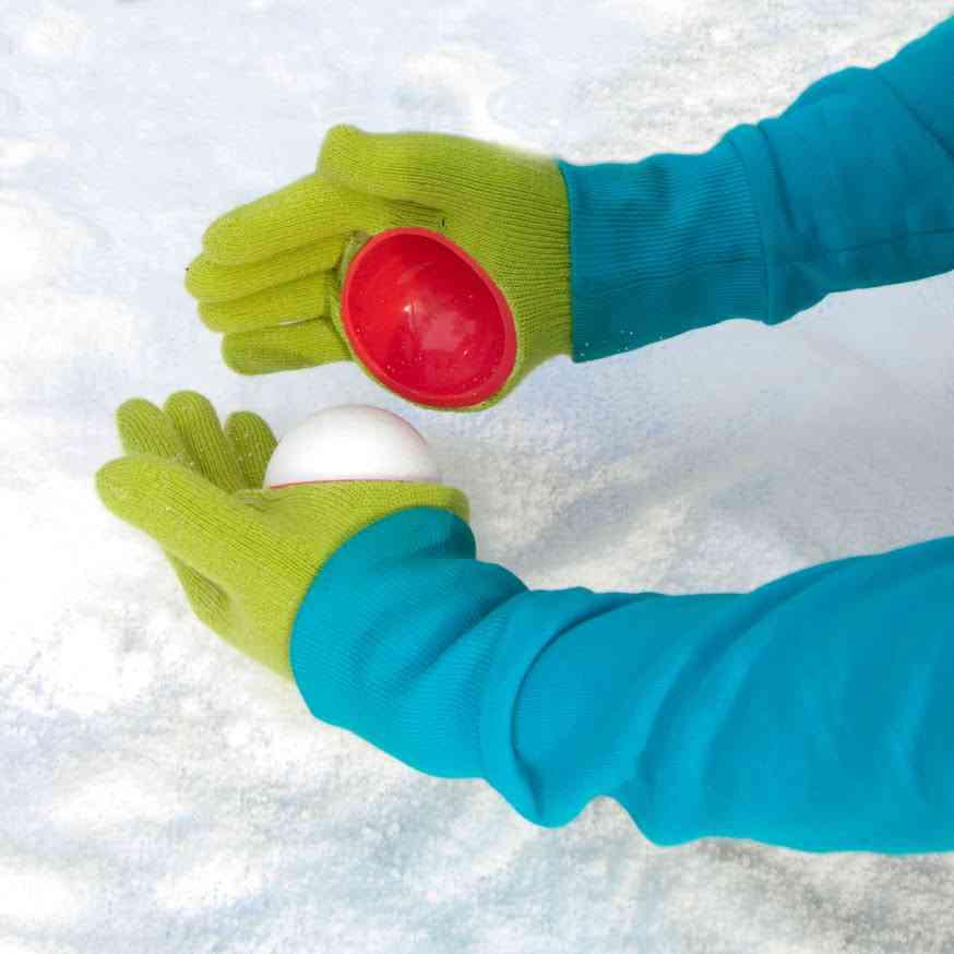 Avec cette paire de gants vous ferez des boules de neige parfaite !