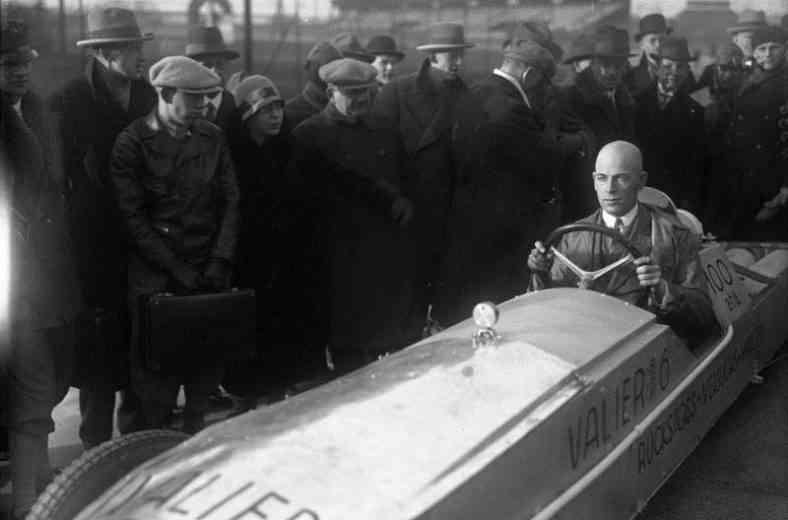 Max Valier (inventeur de la voiture fusée)