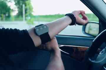 Steer, le bracelet anti endormissement au volant