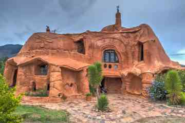Casa Terracota, l'incroyable maison de 500 m² en terre cuite
