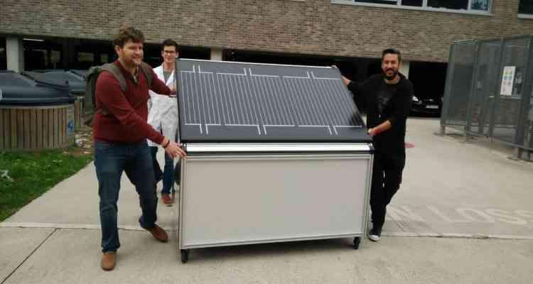 Un panneau solaire qui produit de l'hydrogène à partir de la vapeur d'eau présente dans l'air