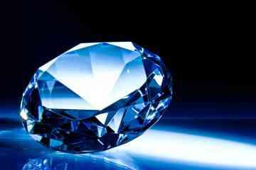 Cette entreprise transforme les cendres d'un proche en diamant !