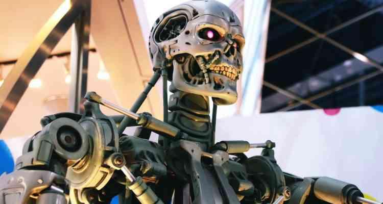 Robot MachinesUn Employé Soulèvement Empale Des Chinois Klu135TFJc