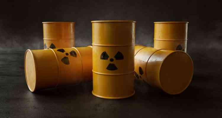 Un laser pour réduire la radioactivité des déchets nucléaires à 30 minutes, l'ambitieux projet du prix Nobel de physique