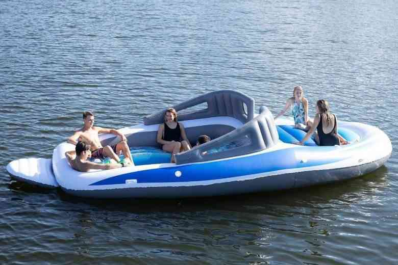 Place au luxe pneumatique ! Il est possible d'acheter un Yatch gonflable géant sur Amazon