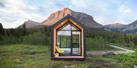 Mono, une mini maison à énergie solaire et en préfabriqué qui se monte en seulement 4 heures