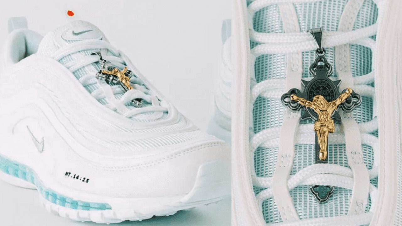 Jesus shoes, une paire de Nike Air Max 97 contenant de l'eau