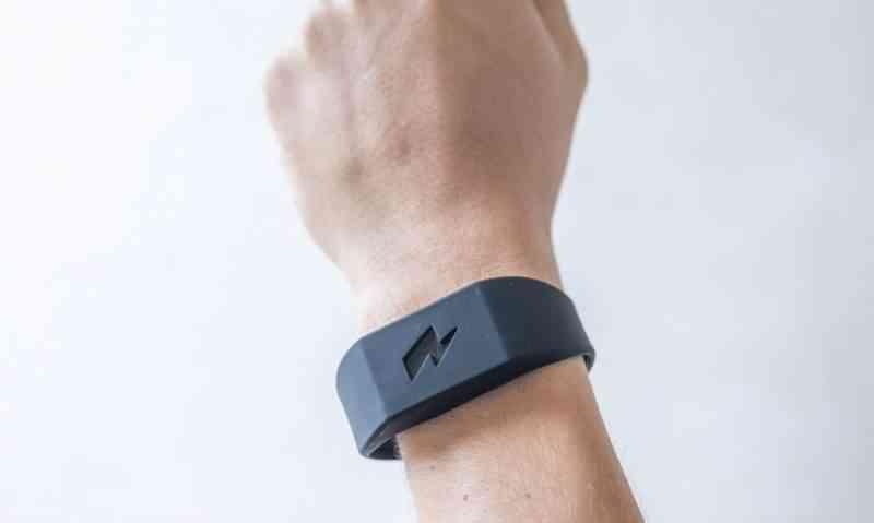 Pavlok Shock, le bracelet qui envoie une décharge électrique pour vaincre vos TOC et addictions
