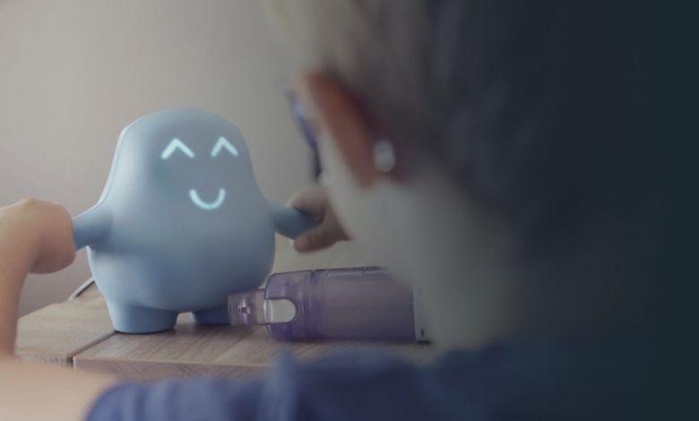 Meyko, le petit robot médical qui encourage les jeunes patients à prendre leur traitement correctement