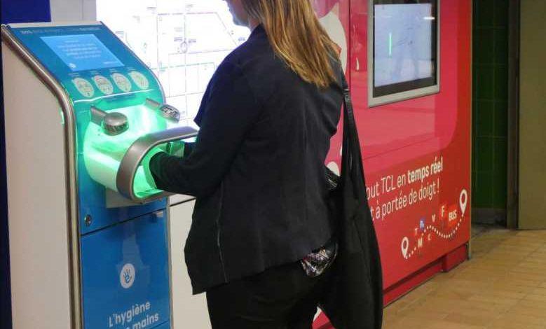 Une machine de désinfection des mains EverCleanHand fait son apparition dans les transports lyonnais !