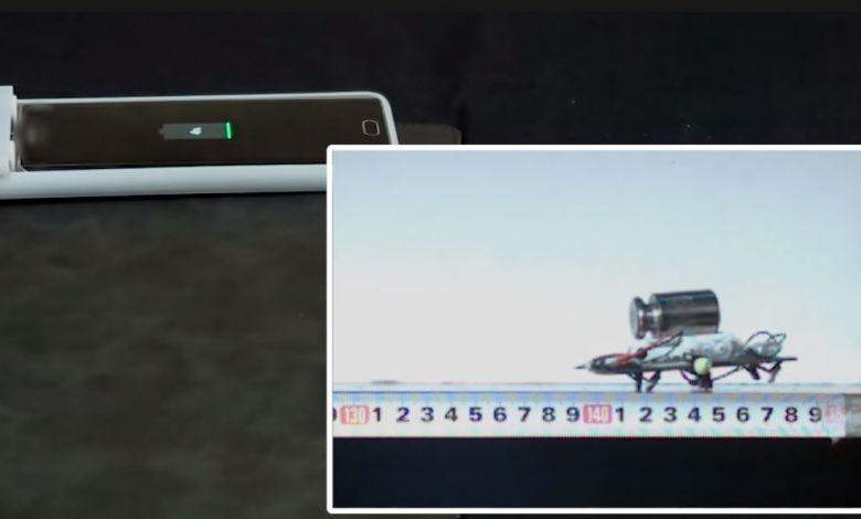 Équipée de petites pattes robotisées, cette coque de smartphone déplace votre téléphone jusqu'au chargeur...
