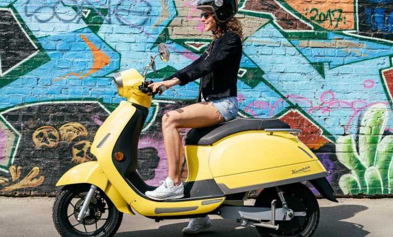Le constructeur allemand Kumpan dévoile deux nouveaux scooters électriques