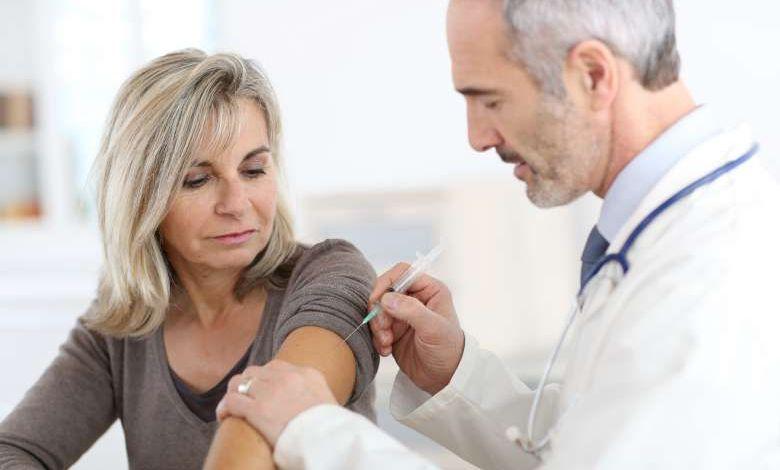 Coronavirus : faut-il se faire vacciner contre la grippe en particulier cette année ?