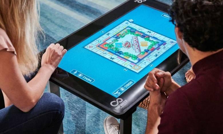 Act1Up dévoile une étonnante table tactile renfermant des dizaines de jeux Hasbro