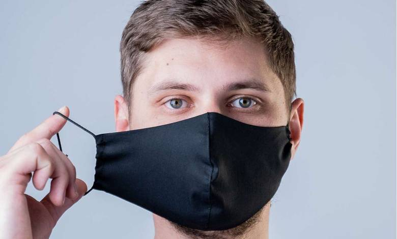 Une étude de l'Université de Cincinnati suggère que les masques en soie protégeraient mieux que les masques en coton ou synthétiques