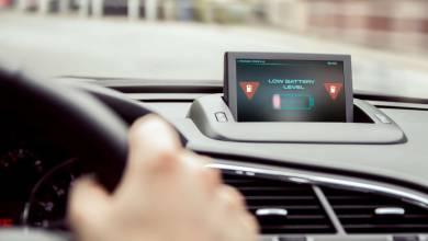 Comment réagit une voiture électrique sur la route quand la batterie est totalement déchargée ?