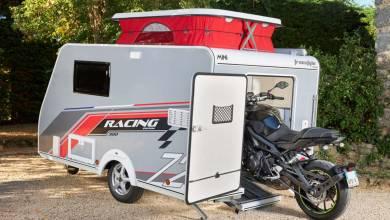 Mini Freestyle : ne vous fiez pas à son apparence, cette mini caravane peut également loger votre moto !