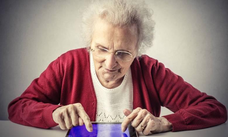 Confinement : des tablettes spécialement étudiées pour rompre l'isolement des seniors