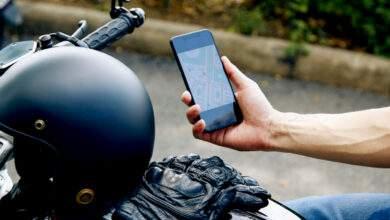 Les fortes vibrations de la moto peuvent endommager le système photographique.