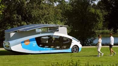 Un étonnant et futuriste camping car.