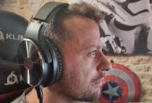 Un casque audio circum-aural